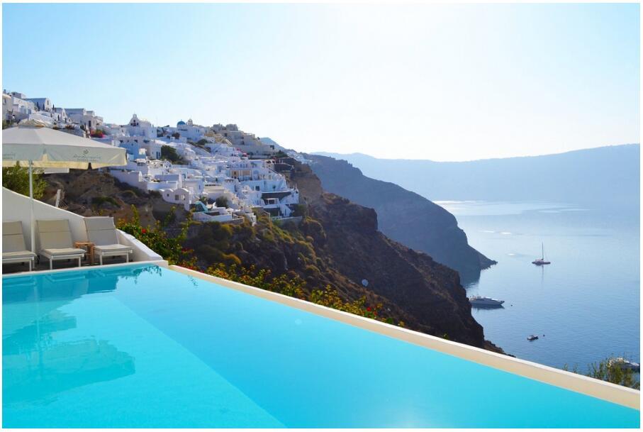 Santorini Pool (Bonum Vinum)